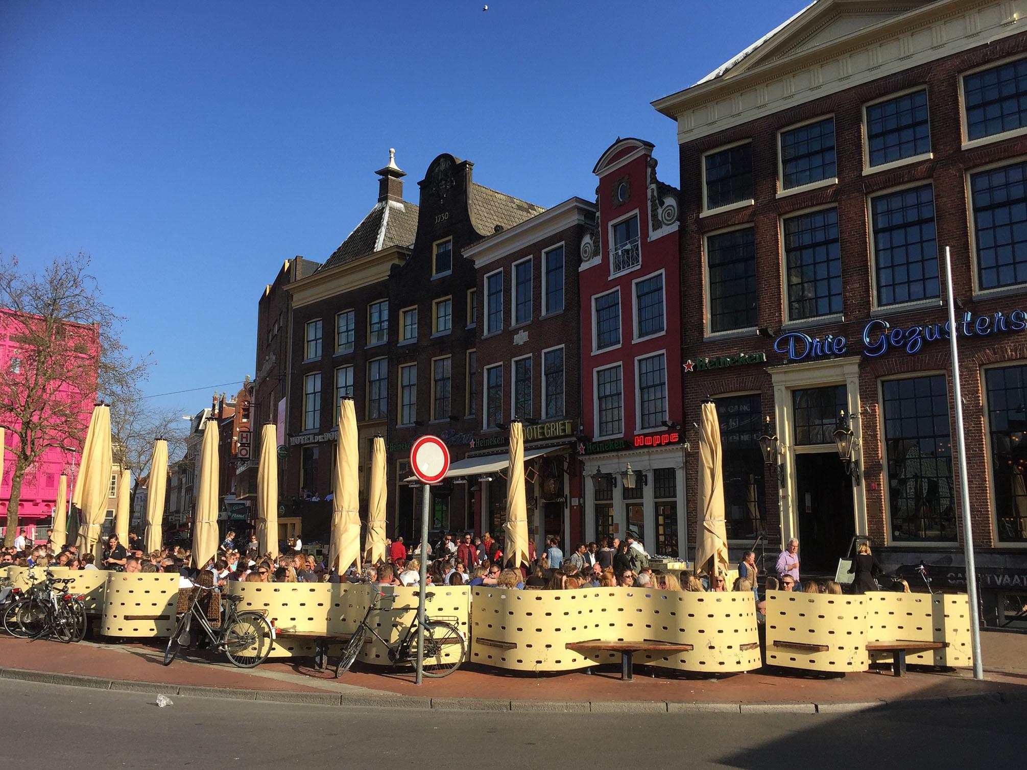 Grote markt Groningen uit eten dineren restaurant dineon dine on